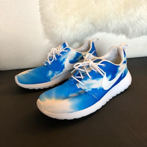 1dfa4f683f386 Nike Roshe Run Blue Sky (Santa Monica Pack). M 5b7359d17ee9e273b01e06a6